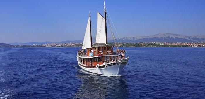 sail-party-croatia-boats-BCat-1